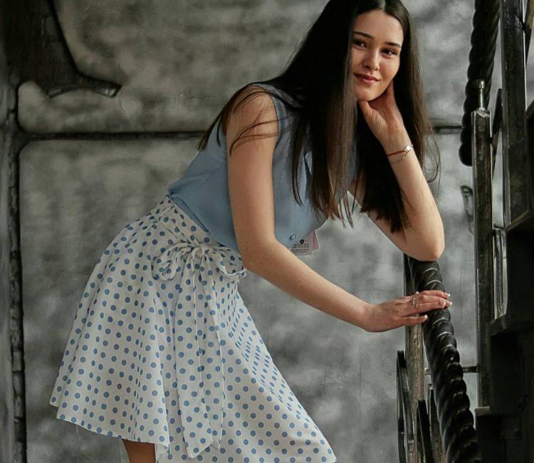 Jolie Renee